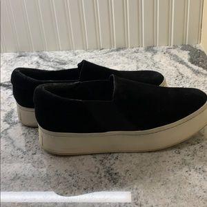 Vince Black Suede Sneakers 🧚🏻♂️